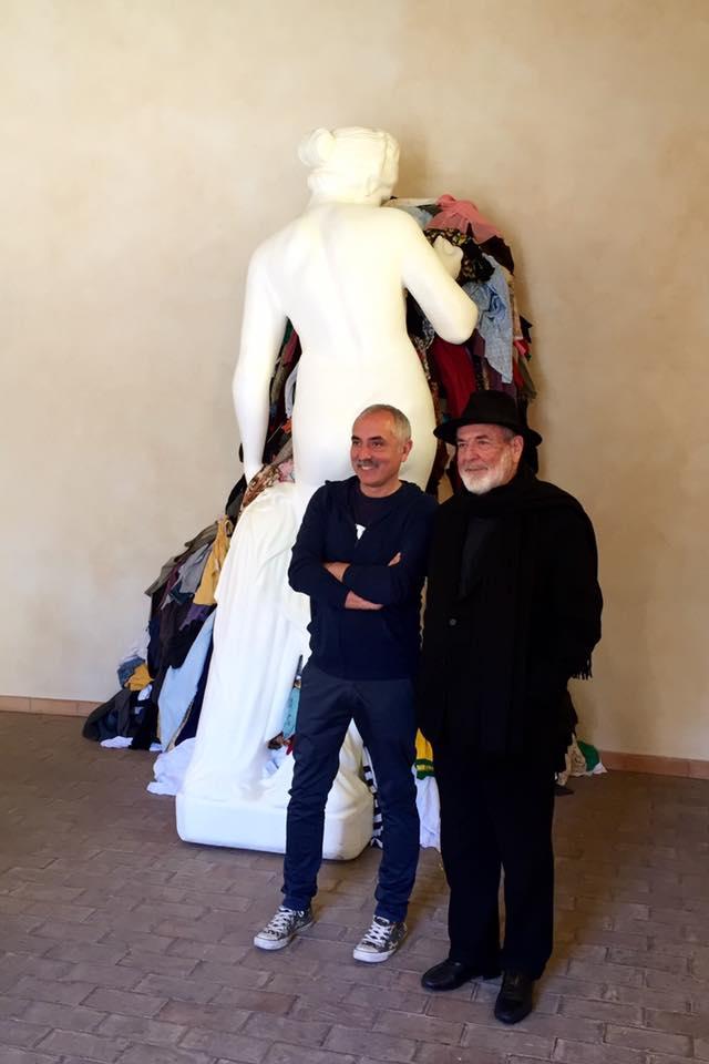 Giorgio De Finis e Michelangelo Pistoletto di fronte alla Venere degli stracci DIF Formello