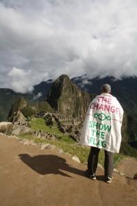 Hug the Cange - Show the Flag   Machu Picchu